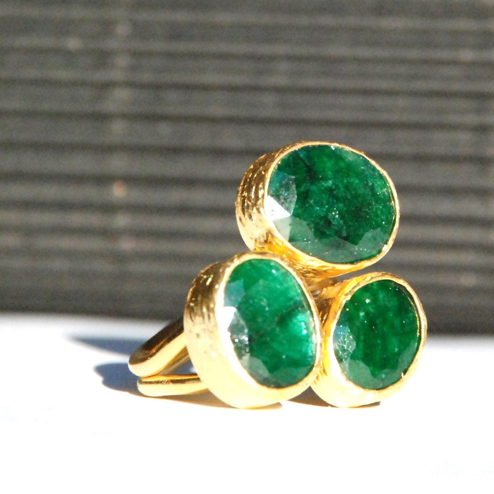 trio emerald ring made to order