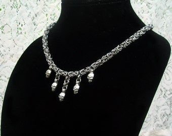Byzantine Chainmaille Necklace with Skulls, skull necklace, halloween necklace, chainmaille skull, skulls necklace