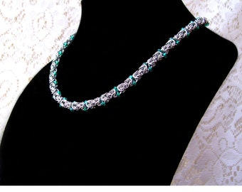 Byzantine Chainmaille Necklace with Green Beads, beaded chainmaille, beaded chainmail, chainmaille with beads