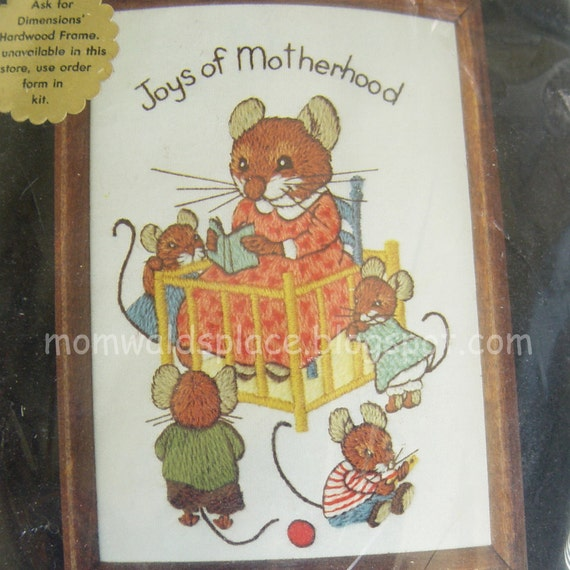 Embroidery Kit Crewel Joys of Motherhood Mouse Paw Prints by Wallace Tripp