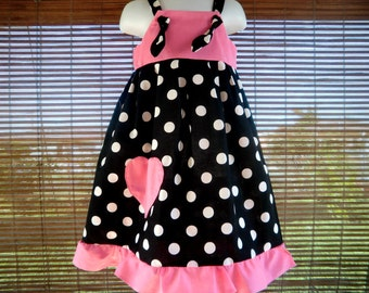 KNOT DRESS in black dots and hot pink