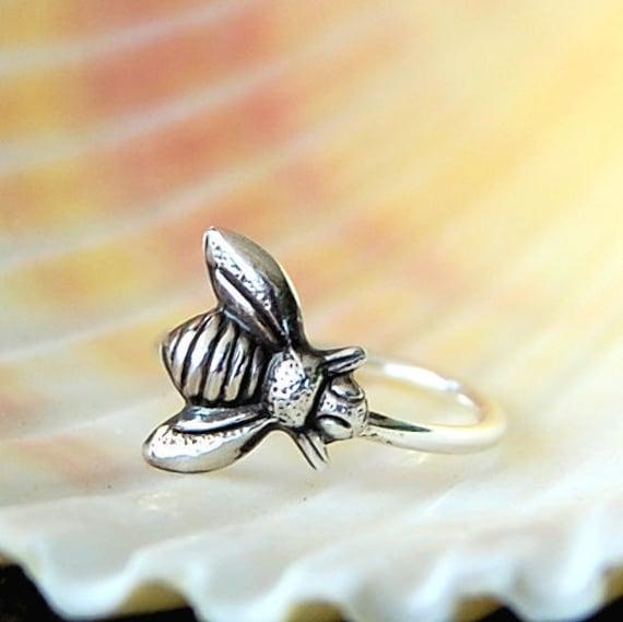 Cartilage Earring / Tragus Hoop / Helix Hoop / Bumblebee / Sterling Silver