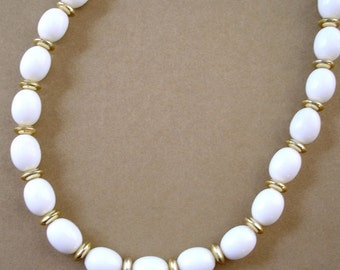 classic vintage white and gold beaded flapper style necklace