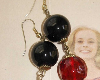 gorgeous vintage deep eggplant purple and ruby red glass bead earrings