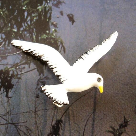 vinatge GERRYS white enamel seagull pin