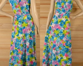 Vintage 70s Maxi Dress Watercolor Print Size S to M Bust 38 to 40