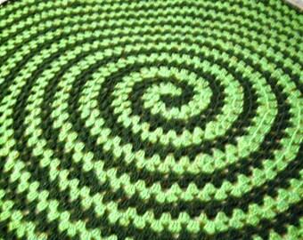 Fox's Spiral Round Granny Blanket