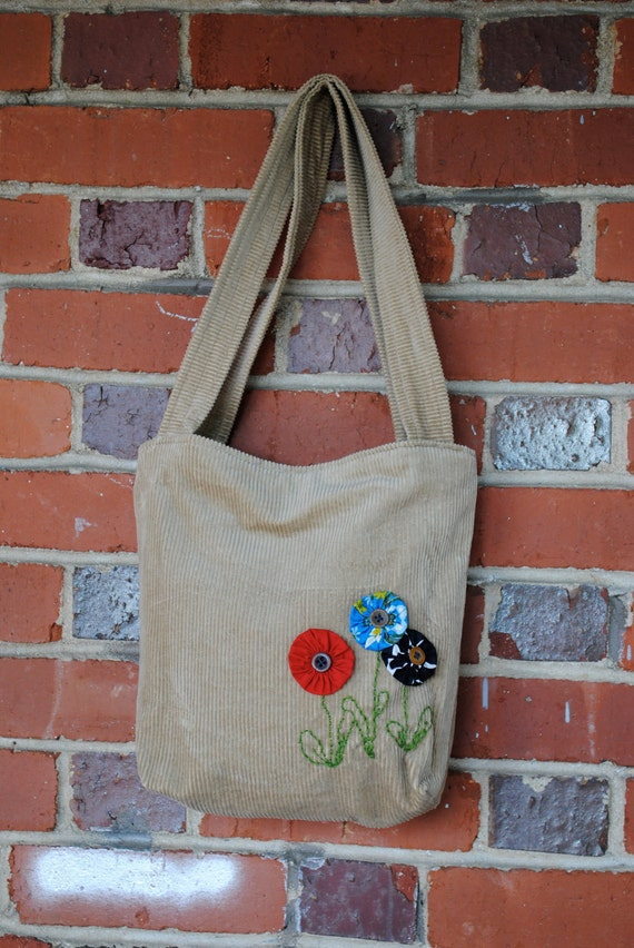 Funky corduroy bag with yoyo flowers