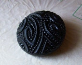 Antique thick curved lines and dots patterned black glass button X 1