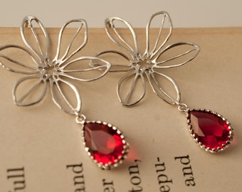 Elegant Flower Earrings With Faceted Red Glass