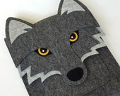 iPad case - Wolf in graphite felt - MADE TO ORDER