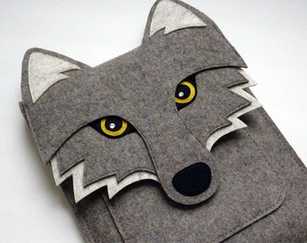 Wolf iPad Air / 2 / 3 / 4 felt sleeve