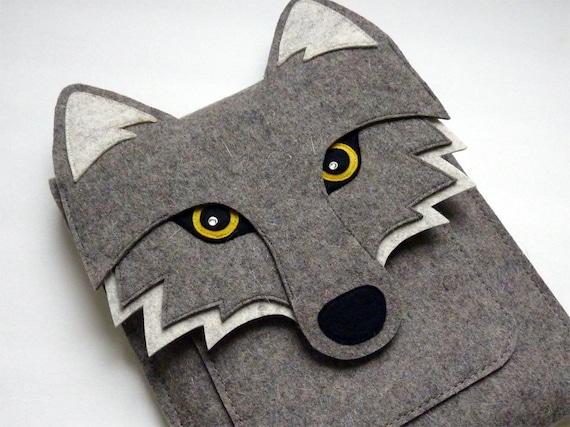 Wolf MacBook Air 13 inch sleeve - Gray felt