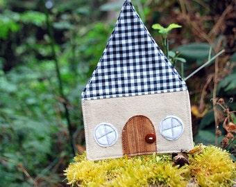 Little zakka house - black gingham - home decor