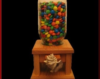 Candy Dispenser with Seashell Knob