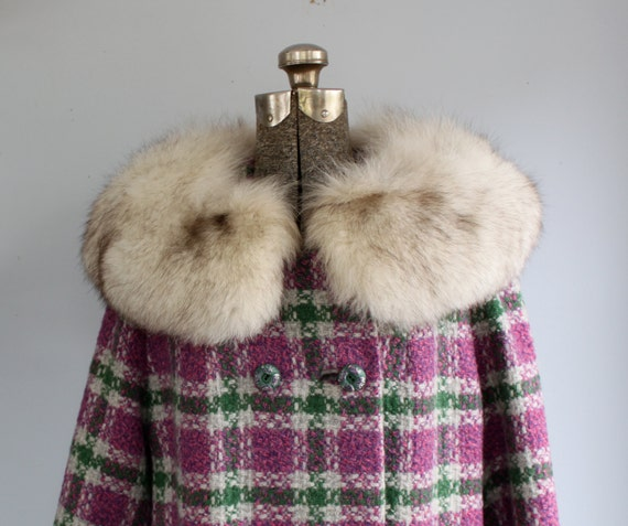 SALE vintage fur collar winter coat. 60s 70s mod purple plaid by Shagmoor / AUTUMN ABSINTHE / size medium