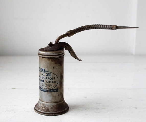 Vintage 1950s Oil Can Eagle Pump Oil 33 With Flexible Nozzle