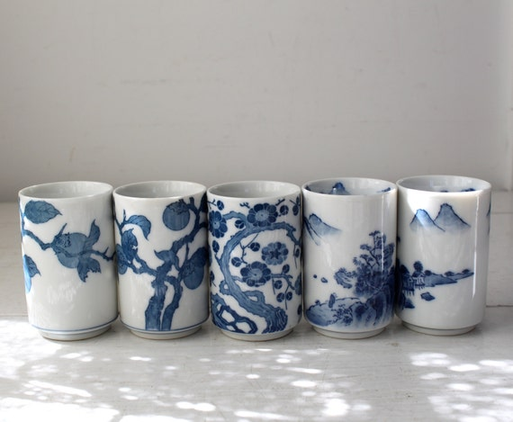 vintage Japanese tea cups. Set of 5. Blue and white / the GREEN TEA for 5 cups