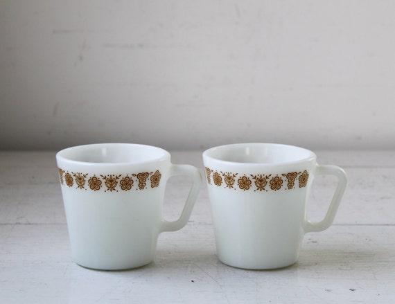 Sale / vintage 1970s milk glass coffee cups. Set of 2 Pyrex mugs. Butterfly gold. Retro  / the HAZELNUT CREAM mugs
