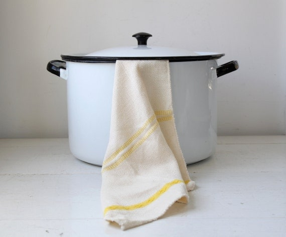 vintage 1950s stock pot. Black on white enamelware cook pot. 8 quart size / the ALL DAY SOUP pot
