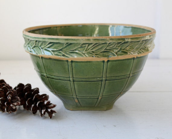 vintage 1930s green pottery bowl. Green glazed yellow ware. Big, rustic primitive. Windowpane and laurel band  / the COOKIE DOUGH bowl