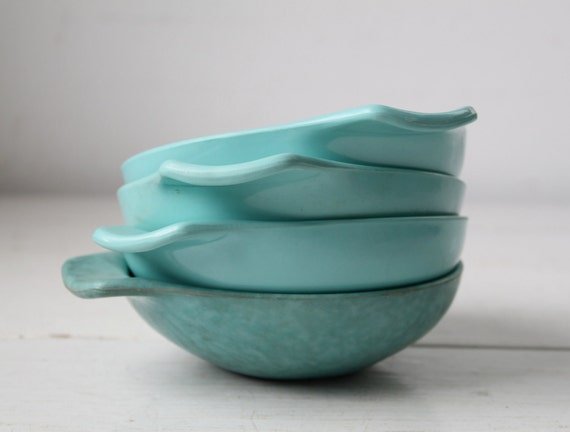 vintage 1950s Russel Wright melamine bowls. Set of 4 / the BLUE CORN FLAKES cereal bowls