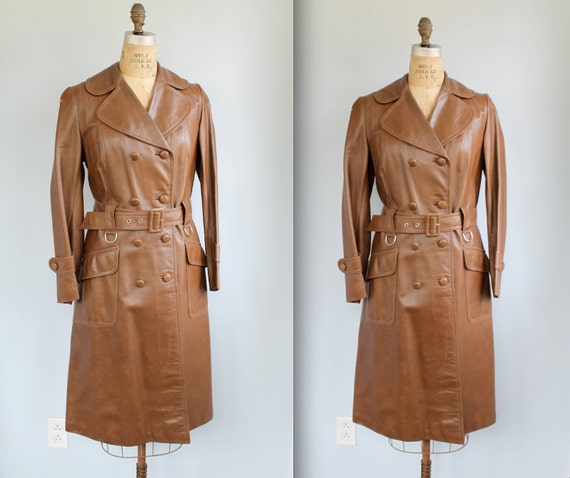 vintage 1970s leather trench. Women medium. Oxblood brown. Fall back to school / Mod retro / the PASS THE COFFEE coat