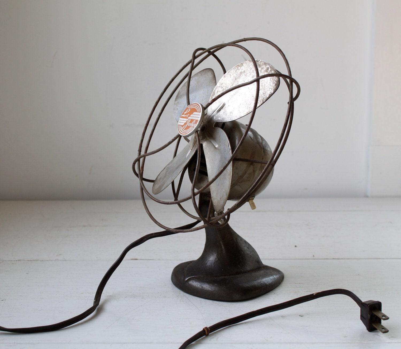 vintage 1930s electric fan art deco industrial style desk. Black Bedroom Furniture Sets. Home Design Ideas