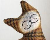 Cat Plush Folk Wool - Golden Raisin Cat