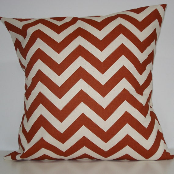 New 18x18 inch Designer Handmade Pillow Case. In rust and natural chrvron zig zag pattern.