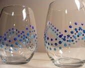 painted polka dot stemless wine glasses  - perfect for a beach wedding - can be done on Champagne flutes