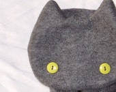 Gray Kitty Scarf with Yellow Eyes