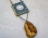 Leo. Agate Stone & Vintage Zodiac Sign Necklace.
