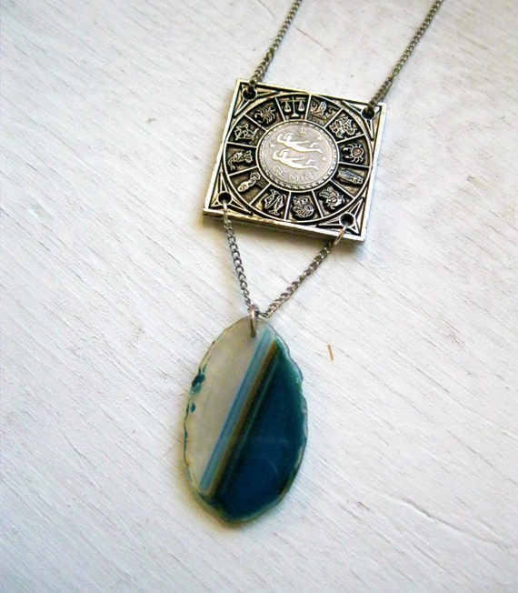 Gemini. Agate Stone & Vintage Zodiac Sign Necklace.