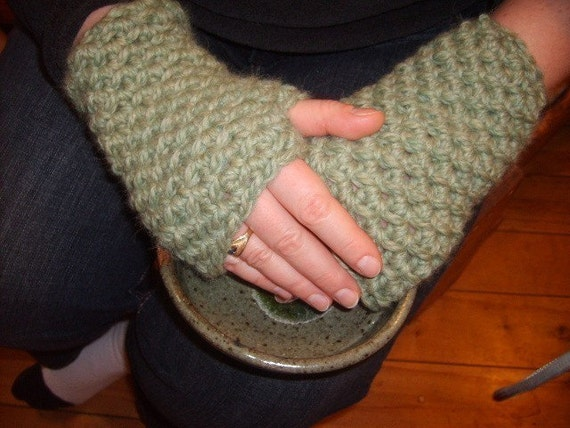 Super Simple, Speedy Alaskan Wrist Warmers Easy, Fun, Fast Crochet PDF Pattern