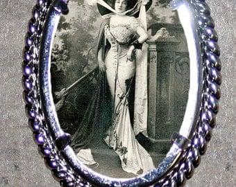 Ziegfeld Follies Anna Held Frame Pendant
