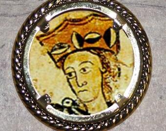 English Queen Eleanor of Aquitaine Frame Pendant