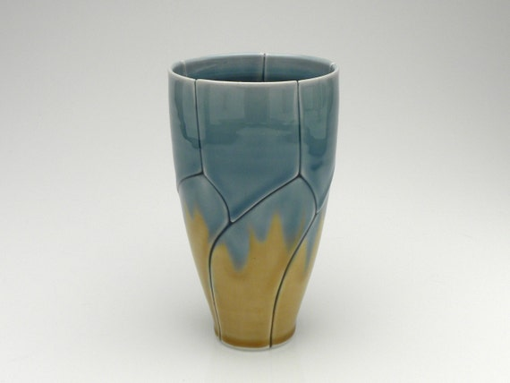 Medium Tumbler Blue and Gold Twisted Leaf Style Pint Glass