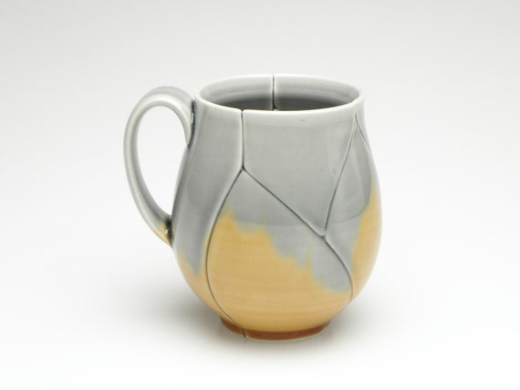 Large Upright Mug with Amber and Grey Leaf Pattern 15 Ounce