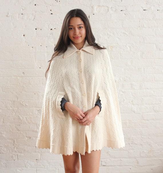 cream knit poncho (os)