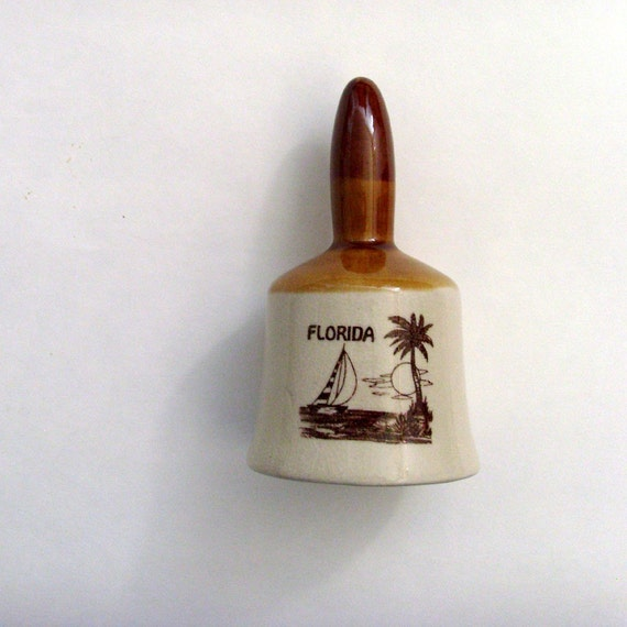 Vintage Florida Pottery Bell / Brown - Beige Bell / 1970s Souvenir Kitsch / Sun, Palm Tree & Sailboat / Gift Under 20