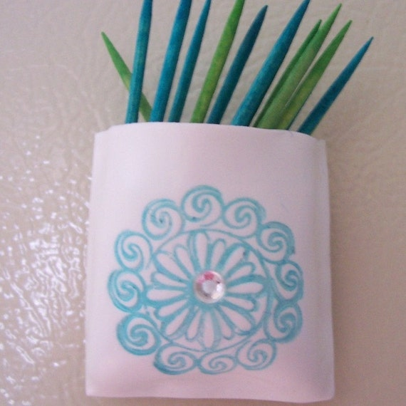 Magnet pocket toothpick holder - Wooden pocket toothpick holder ...