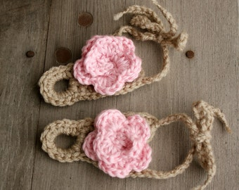 Over the toe, crochet baby sandal, with tie closure and rose bud on top, perfect for summer, 0 to3 mo.