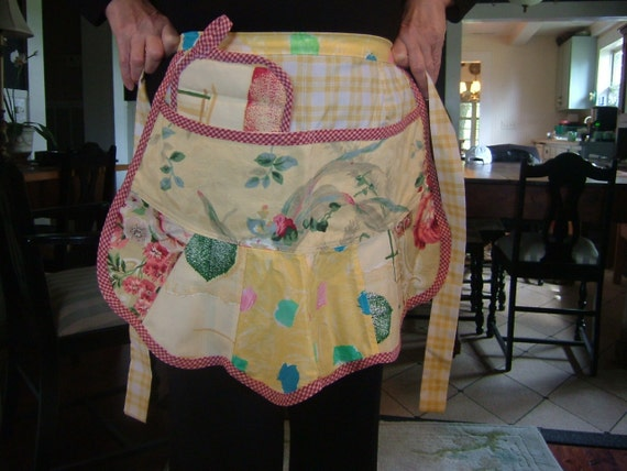 "RETRO CAFE APRON for the Holiday Cook....""Free Shipping"""