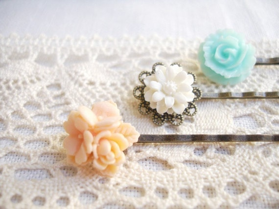 nest(ed) - lovely vintage floral hair pin set