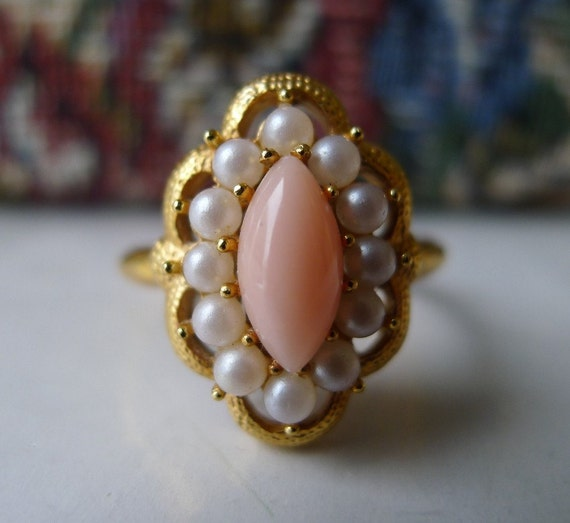 Vintage Avon Ring Pink Coral and Pearl Delicate Angel Skin Coral Serena 1972 Adjustable Size 7-1/2 7.5 to 9