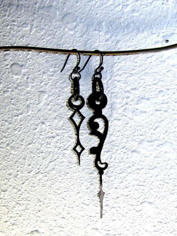 Asymmetrical Vintage Clock Hand Earrings - Black