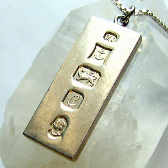 Vintage 1977 Queens Silver Jubilee Ingot Pendant And Chain