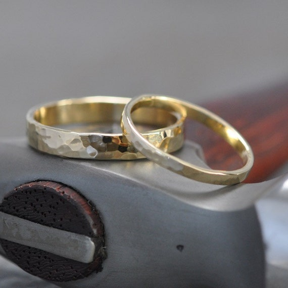 18K Yellow Gold Band Set, Simple Wedding Rings, Hammered Texture, 2mm and 4mm, customizable, Sea Babe Jewelry