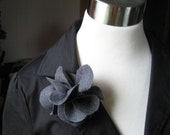 Flower Pins - Grey Flannel Single Bloom